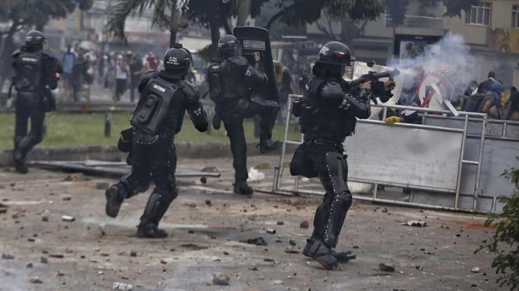 El país clama SOS, asesinatos de la fuerza pública contra ciudadanos