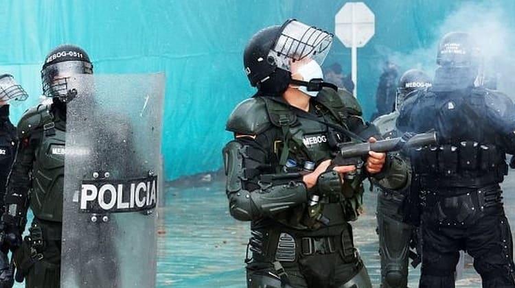 el pueblo resiste a la brutalidad policial