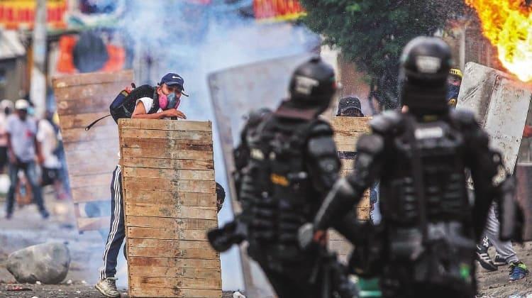 El país sigue firme, luchando pese a la fuerte represión estatal